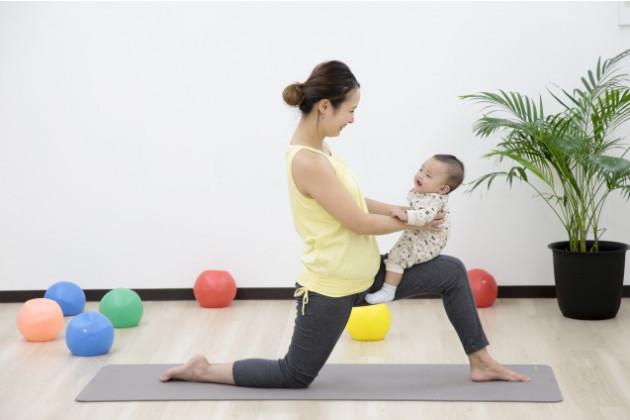 産後のママの骨盤を整え子供と楽しむ脳育ベビーヨガレッチ