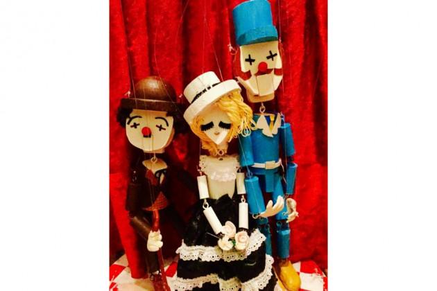 ピエロック一座の人形劇