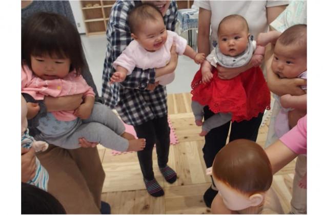 赤ちゃんヨガ体験会