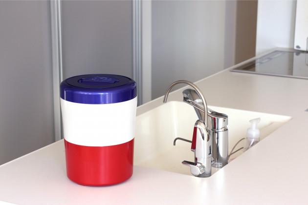 家庭用生ごみ減量乾燥機 パリパリキューブライトアルファ